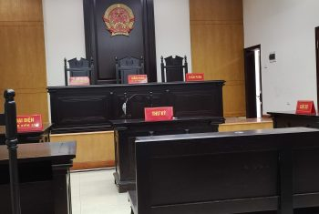 """Ngày 12/07/2020, Luật Hùng Phúc cử Luật sư tham gia phiên tòa phúc thẩm vụ án """" Tranh chấp hôn nhân gia đình """" tại Tòa án nhân dân cấp cao tại Hà Nội."""